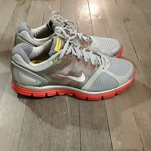 Nike Livestrong Lunarlon Flywire Shoes 10